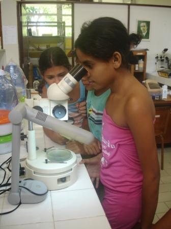 Visita ao Laboratório de Parasitologia (DMO/UFS)